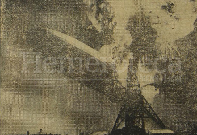 El dirigible Hindenburg en llamas en 1937. (Foto: Hemeroteca PL)