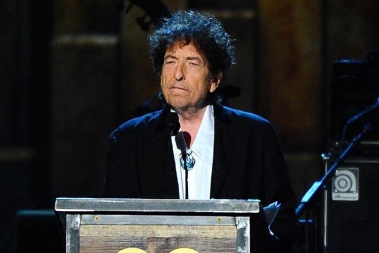 Bob Dylan no acudirá a recibir el Premio Nobel de Literatura. (Foto Prensa Libre: AP)