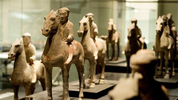 Caballos y carretas también formaban parte del ejército con que se enterró al emperador. GETTY IMAGES