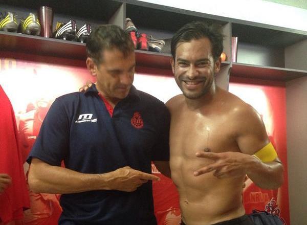 Carlos Ruiz mantuvo una buena condición física con su anterior preparador físico, el argentino Ezequiel Barril. (Foto Prensa Libre: Hemeroteca)