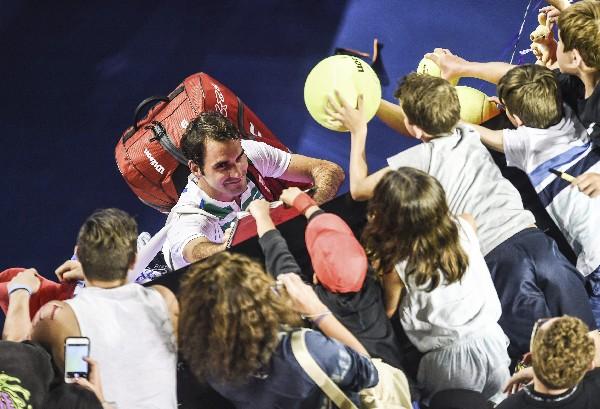 El suizo Roger Federer sigue haciendo historia en el tenis mundial. (Foto Prensa Libre: AFP)