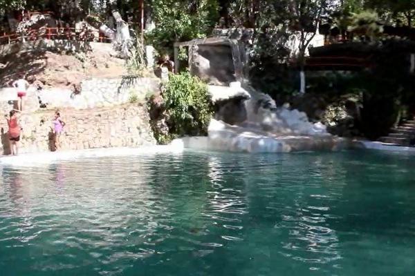 Jalapa ofrece sitios recreativos para semana santa for Balneario de fortuna precios piscina