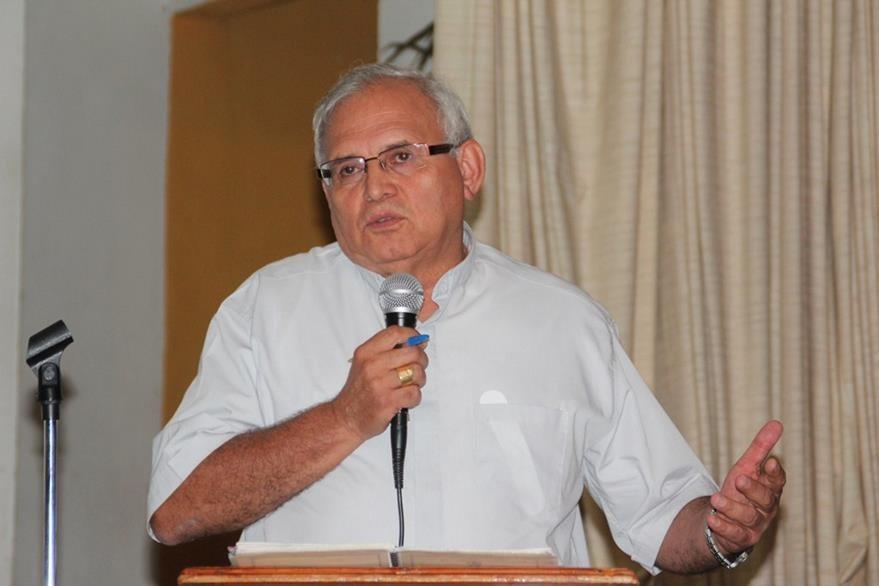 Ramazzini durante su intervención en el foro efectuado en Huehuetenango. (Foto Prensa Libre: Mike Castillo)