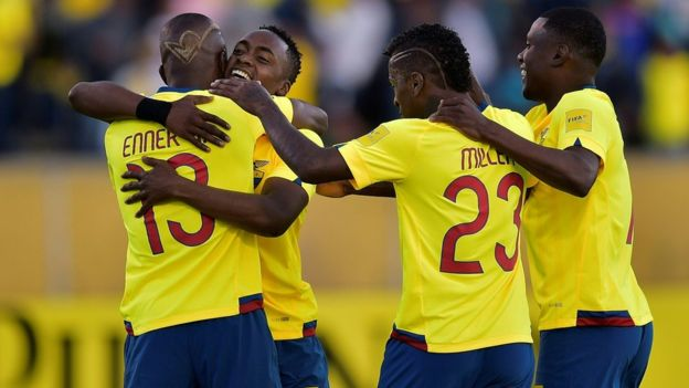 Ecuador hizo la tarea de visitante al comienzo de las eliminatorias y ahora consolida su renta en Quito. (Foto Prensa Libre: Getty Images)