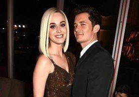 Katy Perry y Orlando Bloom posan juntos durante la fiesta de Vanity Fair. (Foto Prensa Libre: WireImage).