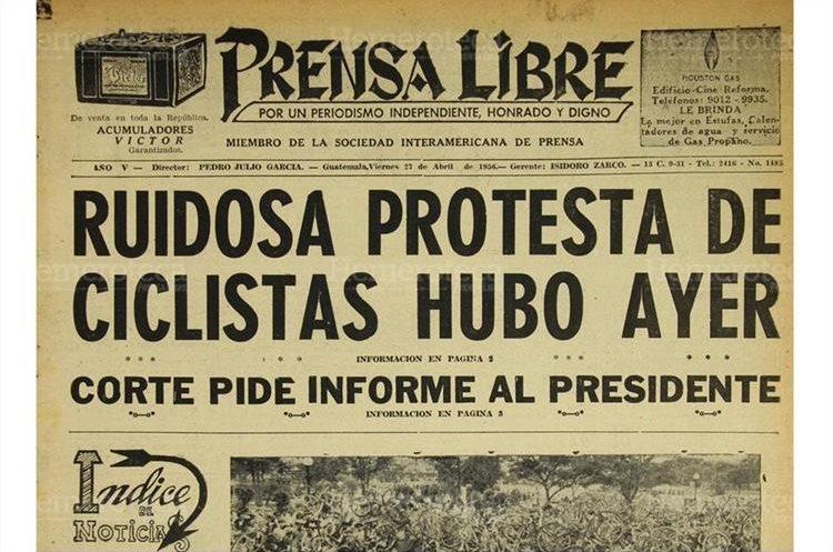 Prensa Libre informó a sus lectores sobre  la ruidosa manifestación de ciclistas realizada el 27 de abril 1956. (Foto: Hemeroteca PL)