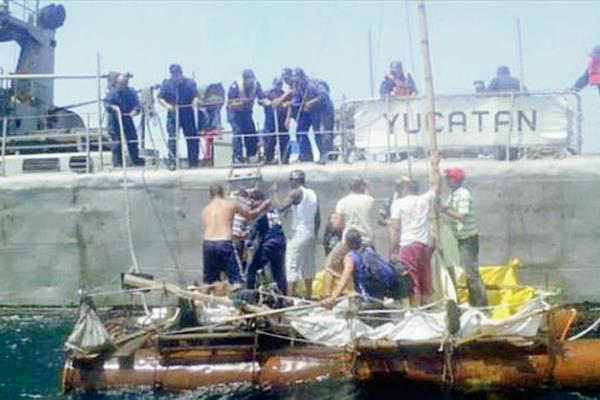 Los cubanos fueron rescatados por autoridades mexicanas. (Foto Prensa Libre: Internet).