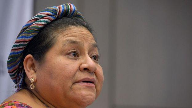 Varios miembros de la familia de Rigoberta Menchú fueron asesinados por los militares en Guatemala. GETTY IMAGES