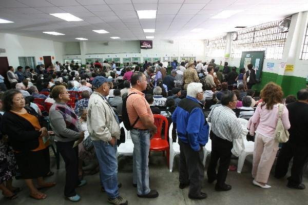 en el Instituto Guatemalteco de Seguridad Social ya reportan aumento del 5 por ciento en algunos medicamentos que distribuyen a los pacientes, como en el Hospital de Especialidades.
