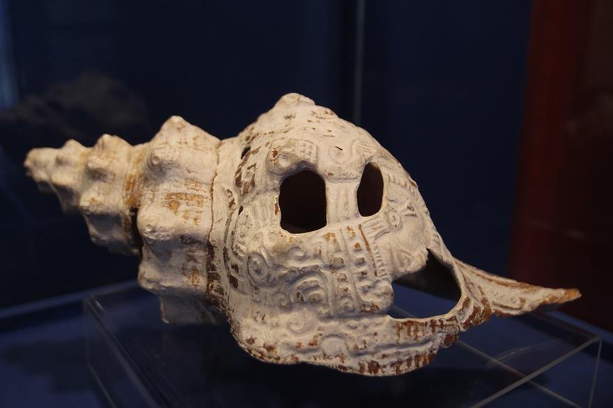 Un caracol indica la relación de los mayas con el agua. (Foto Prensa Libre: Miguel López).