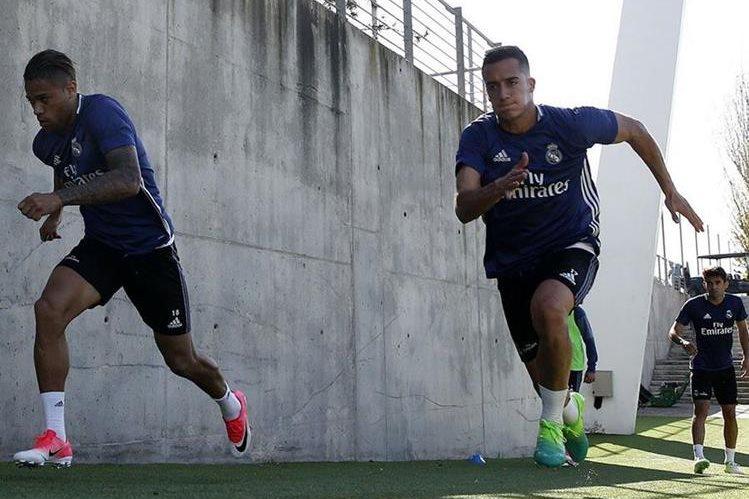 Mariano y Lucas Vásquez durante el entrenamiento del Real Madrid en Valdebebas