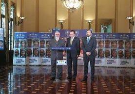 Representantes de la Presidencia, Maga y Mides informan que los programas sociales serán restablecidos. (Foto Prensa Libre: Carlos Álvarez)