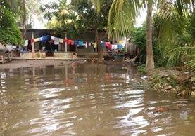 Los pobladores del caserío Los Almendros sufren año con año las lluvias. (Foto Prensa Libre: Whitmer Barrera)