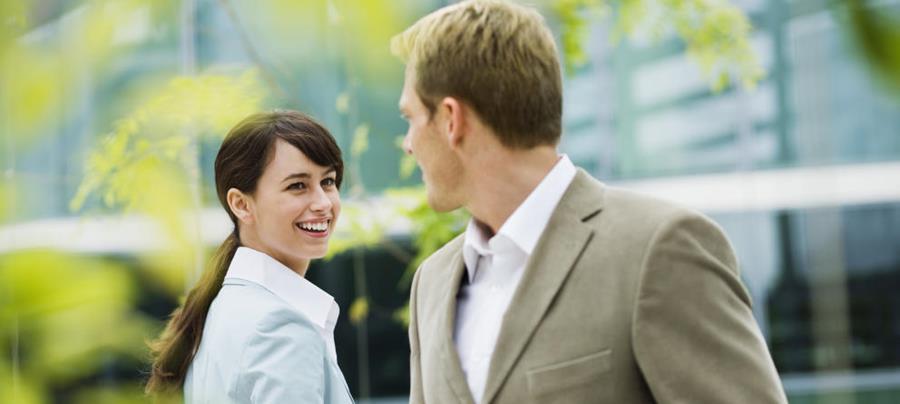 El grado de atracción entre personas aumenta al comprender los comportamientos emocionales.
