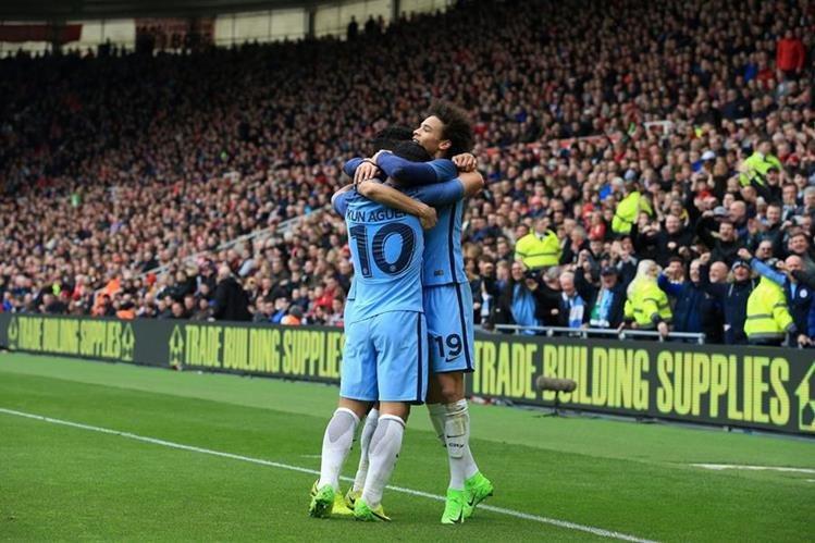 El City está a un paso de disputar la final de uno de los torneos más prestigiosos de Inglaterra. (Foto Prensa Libre: AFP)
