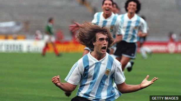Argentina ganó dos veces la Copa América y una la Copa Confederaciones a principios de los años 90, pero no pudo lograr el Mundial en EE.UU.