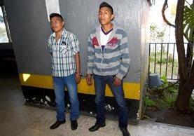 Los hermanos Mario y Juan Lindo Cortez fueron capturados por elementos del DEIC de Sololá y de la PNC de Chichicastenango, Quiché, sindicados por el delito de homicidio. (Foto Prensa Libre: Óscar Figueroa)