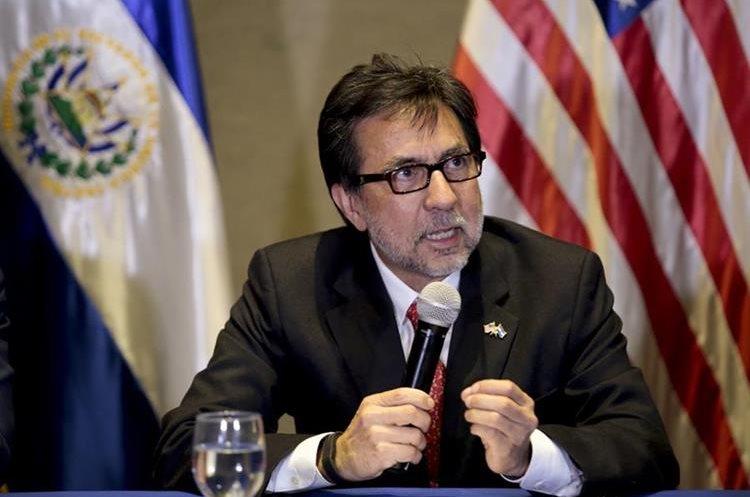 Luis Arreaga durante la presentación de la Fuerza de Tarea Anti Extorsiones en El Salvador en 2015. (Foto Prensa Libre: Embajada de Estados Unidos)