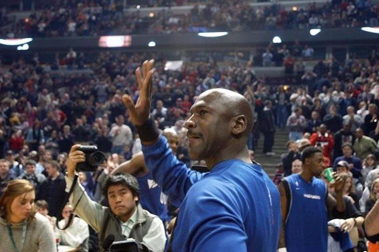 Michael Jordan, la exestrella mejor paga del deporte según un estudio presentado hoy. (Foto Prensa Libre: Hemeroteca PL)