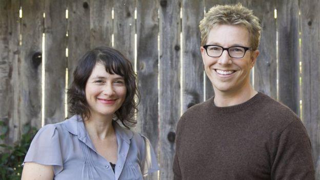 Lydia Daniller y Rob Perkins lanzaron la web OMGYes en 2015, que incluye una guía de técnicas para potenciar el placer sexual femenino. (OMG YES)