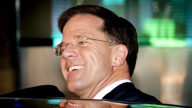 Tras la victoria de su partido este miércoles, el conservador Mark Rutte será el probable encargado de formar gobierno en Holanda. AP
