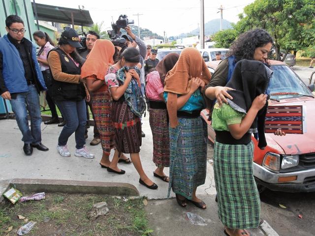 El Ministerio Público, con apoyo de la Procuraduría General de la Nación, ha coordinado rescates masivos.(Foto Prensa Libre: Hemeroteca PL)