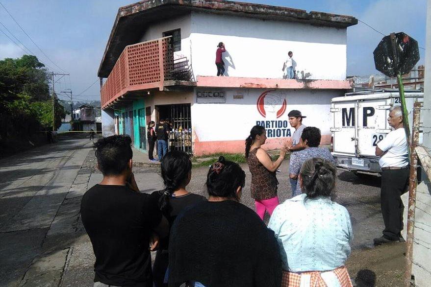 Un testigo aseguró que la víctima hace ochos meses también fue amenazada. (Foto Prensa Libre: Estuardo Paredes)