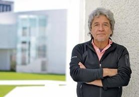 Rogelio Cuéllar, artista mexicano. (Foto Prensa Libre: Ángel Elías)