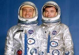 """Virgil Ivan """"Gus"""" Grissom (izquierda) y John Young, fueron los protagonistas de la primera misión tripulada del programa Gemini. NASA"""