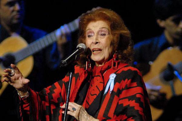 <p>Nelly Omar, protagonista indiscutida de la historia musical argentina, falleció en la capital argentina a los 102 años. (Foto Prensa Libre: EFE)</p>