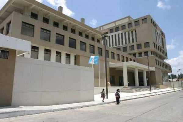 El Ministerio Público recibe denuncias por reparos divulgados por la Contraloría General de Cuentas contra entidades. (Foto Prensa Libre: Hemeroteca)