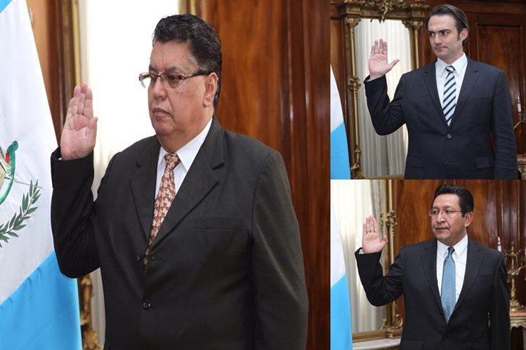 Pablo Ramírez, Eligio Sic y Acisclo Valladares, fueron juramentados a puerta cerrada por el Presidente Otto Pérez Molina. (Foto Prensa Libre: Presidencia)