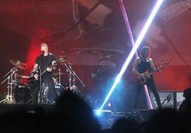La banda estadounidense cautivó en el Estadio Cementos Progreso.