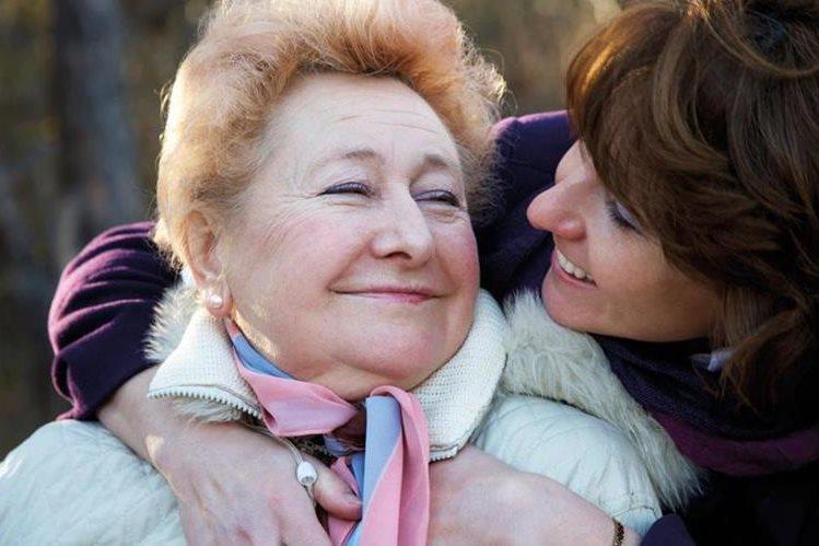 La madre es más feliz cuando recibe amor, que cuando se le da obsequios materiales.