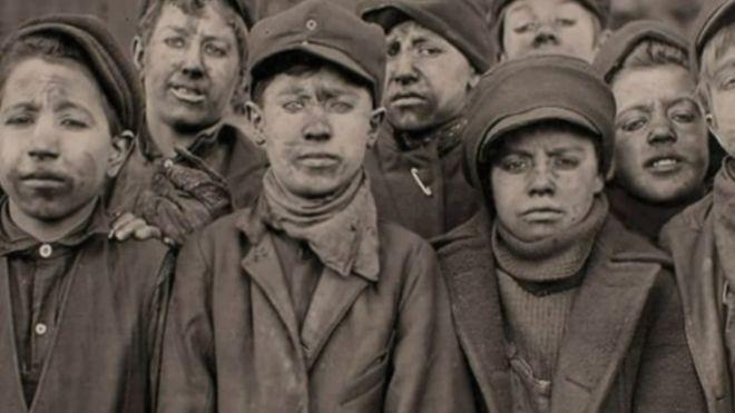 A inicios del siglo XX los niños representaban 20% de la fuerza laboral estadounidense. (Foto: Lewis Hines / Cortesía del Archivo Nacional de Estados Unidos)