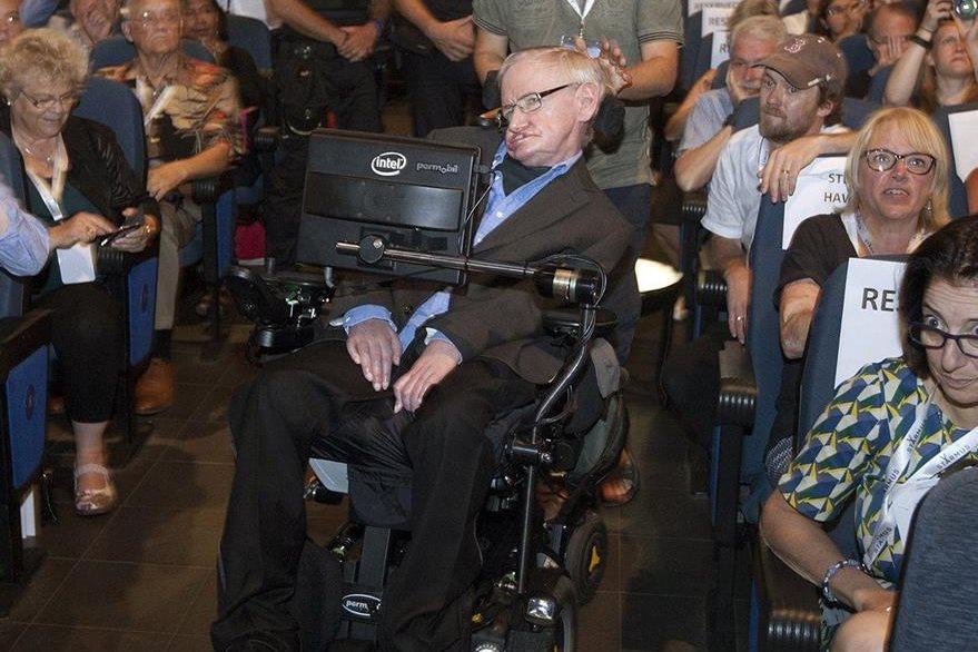El físico británico a su llegada al Festival (Foto Prensa Libre: EFE).