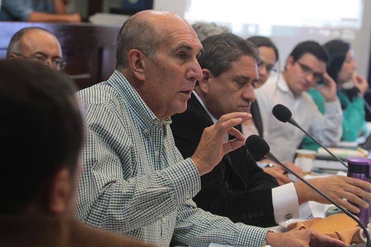 Mario Taracena, de la Unidad Nacional de la Esperanza, fue quien propuso en el Congreso los listados abiertos y la creación de los subdistritos electorales; sin embargo, hasta ahora se ha opuesto a su implementación. (Foto Prensa Libre: Hemeroteca PL)