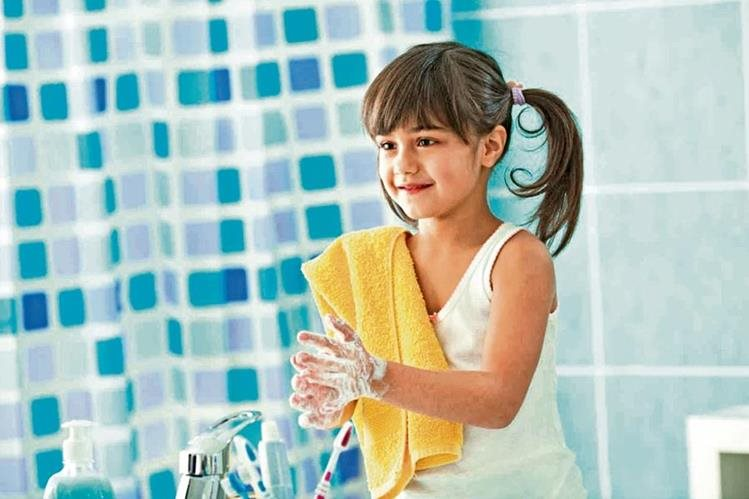 Lavarse las manos es fundamental para prevenir enfermedades.
