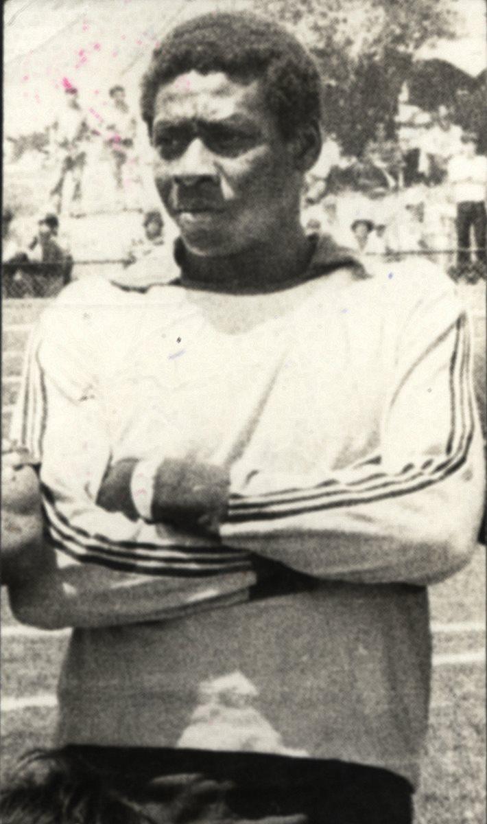 El guardameta Hermeregildo Pep Castro   que jugó con Juventud Retalteca y Comunicaciones. (Foto Prensa Libre: Hemeroteca)