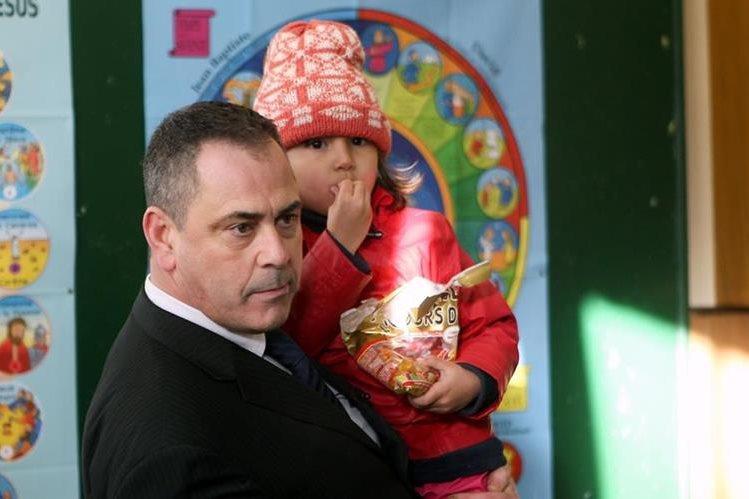 Robert Lawrie, de 49 años, el exsoldado que intentó rescatar a la pequeña afgana. (Foto Prensa Libre: AFP).