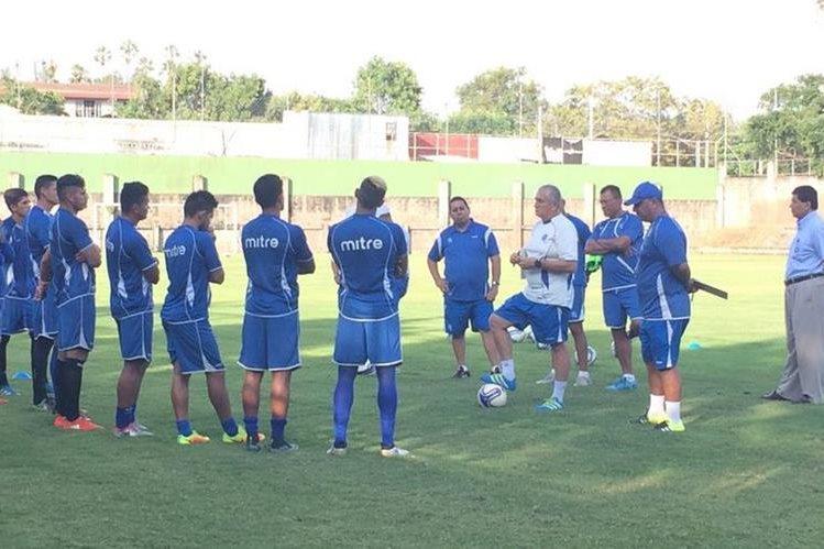 La Selección de El Salvador comenzó a trabajar con miras a su participación en la Copa Centroamericana de la Uncaf. (Foto Prensa Libre: Fesfut)