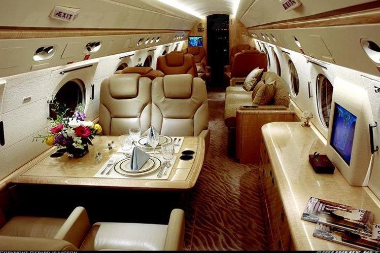 Interior de un avión de lujo para altos ejecutivos. (Foto Hemeroteca PL)<br />