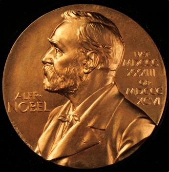 Medalla que se otorga a los ganadores y que refleja el retrato de Alfred Nobel. (Foto: Hemeroteca PL)