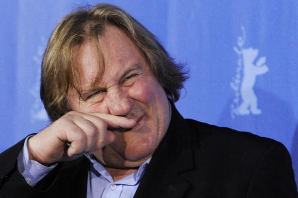 """<p>El actor devolvió su pasaporte tras polémica por impuestos.<br _mce_bogus=""""1""""></p>"""