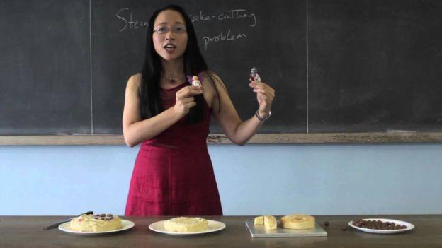 ¿Cómo repartir una tarta de forma perfecta? Otras de las deliciosas lecciones de Eugenia Cheng. EUGENIA CHENG