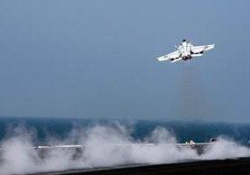 Prototipo del F/A-18E Super Hornet estadounidense que derribó aeronave siria. (Foto Prensa Libre: AFP)