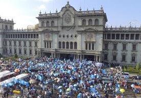 Jornada de manifestaciones y confrontación se vivieron en Guatemala.