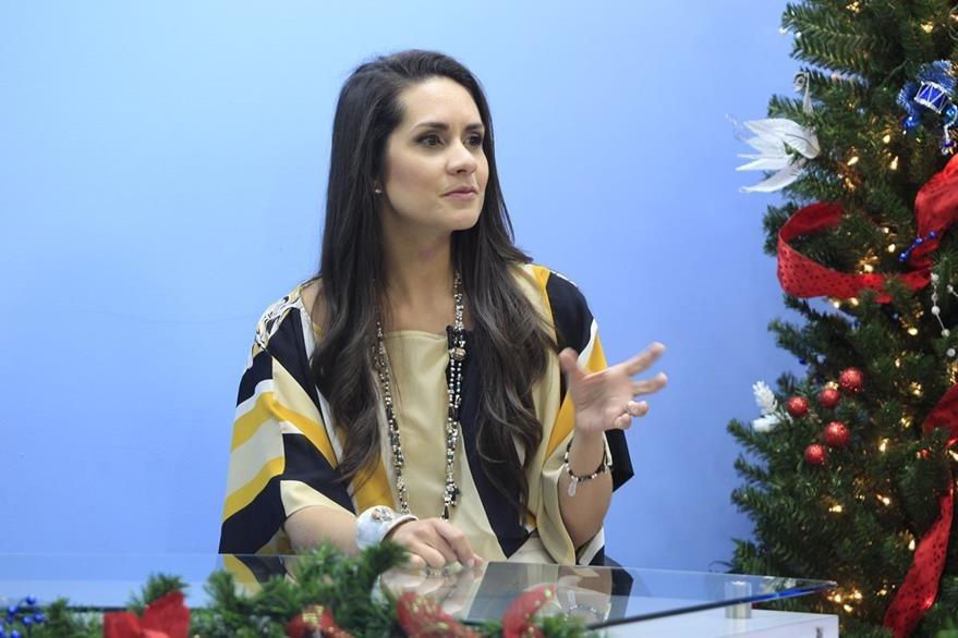 La psicóloga Natalia de Biegler dice que el primer día de clases representa un reto para padres e hijos. (Foto Prensa Libre, Carlos Hernández)