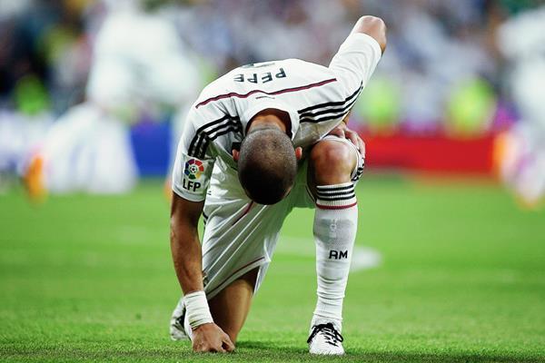 El Real Madrid tiene muy pocas posibilidades de ganra la Liga. (Foto Prensa Libre:AP)