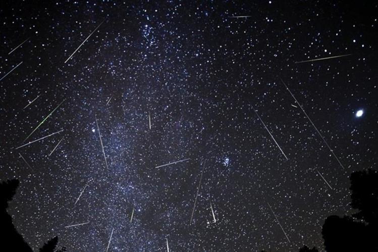 Las Oriónidas son restos del cometa Halley, el cual orbita al rededor del Sol cada 76 años. (Foto Prensa Libre: Hemeroteca PL).